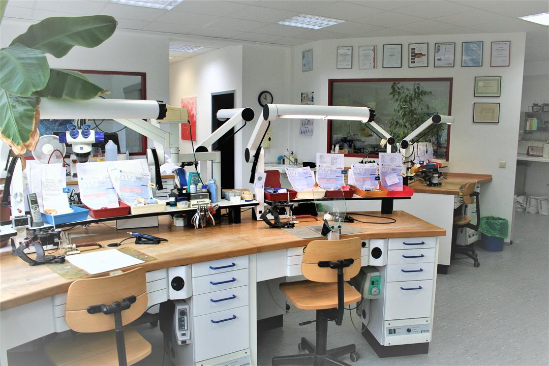 Zahntechniklabor-Juergen-Scharrer-Roethenbach